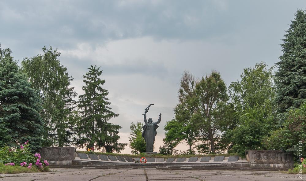село Охматів