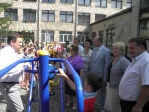 У селі Бузівка на Жашківщині відкрито багатофункціональний спортивний майданчик