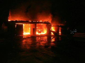 Рятувальники ліквідували пожежу в гаражі