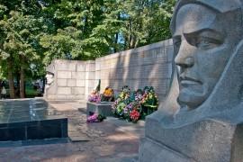 Фото Братська могила радянських воїнів і мирних жителів (Меморіал Слави)