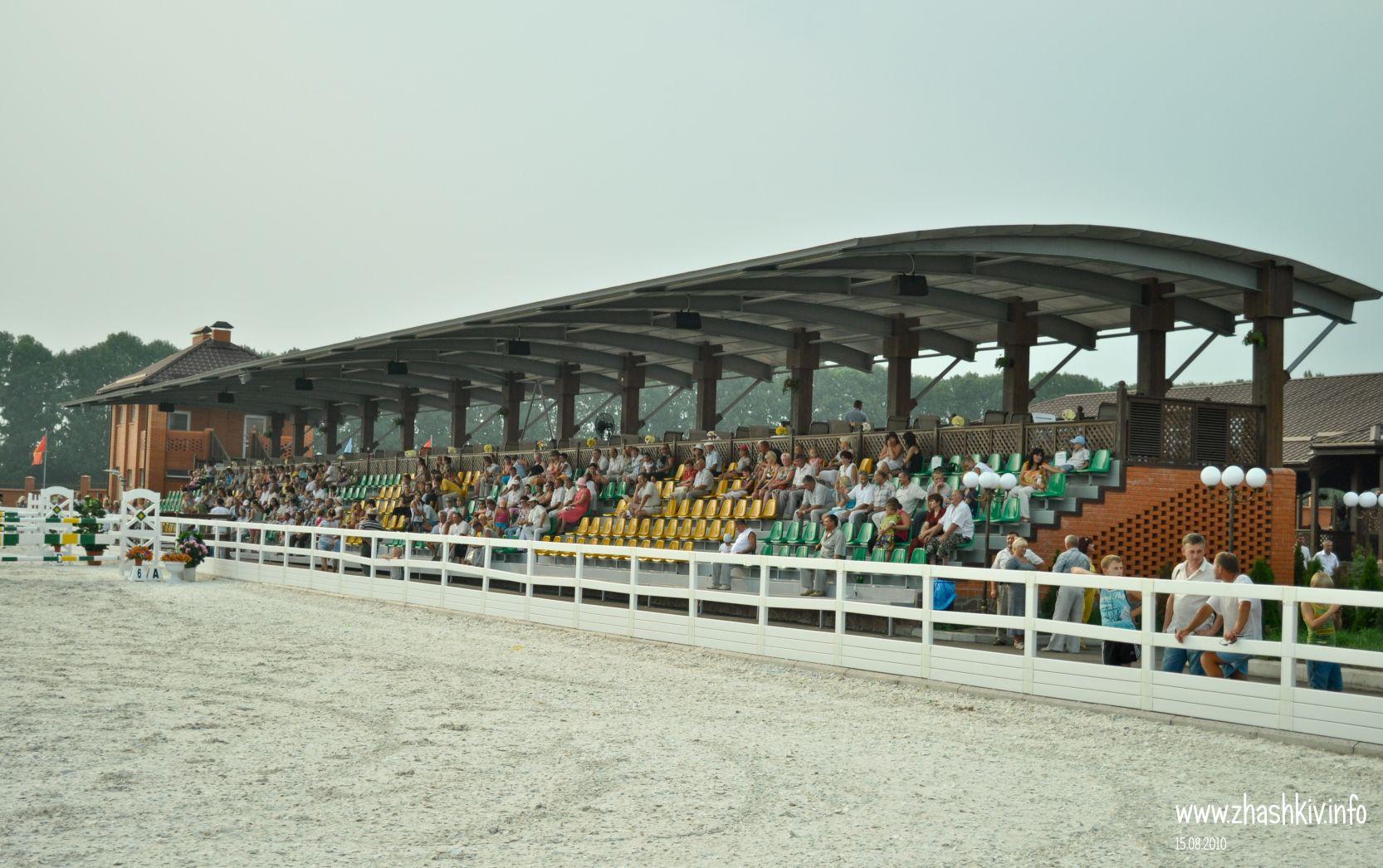 Жашківська кінно-спортивна школа «ParadeAllure»